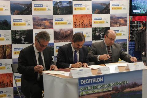 Firma del Pacto por la Biodiversidad de DECATHLON